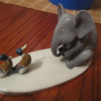 Metzger & Orloff Vintage Elephant Figurine w/ 2 Little Ducklings - Animals
