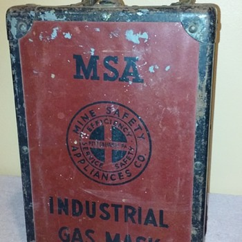 old MSA INDUSTRIAL GAS MASK case - Tools and Hardware