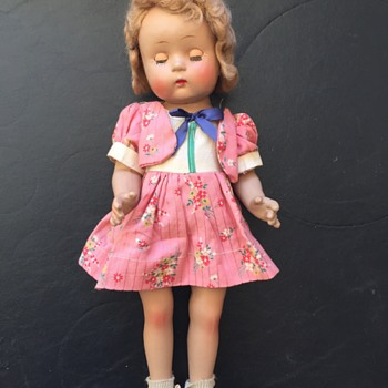 Doll Appears to be Vintage, No Markings, how Old is it????? - Dolls
