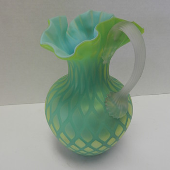 DIAMOND QUILTED SATIN GLASS PITCHER,YELLOW & BLUE