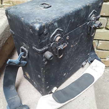 old wooden military field telephone case - Military and Wartime