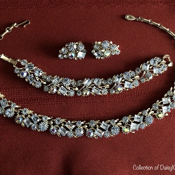 Blue 3-Piece Parure — Necklace, Bracelet, Earrings, Lisner, 1950s  - Costume Jewelry