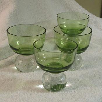 vintage green cocktail glasses