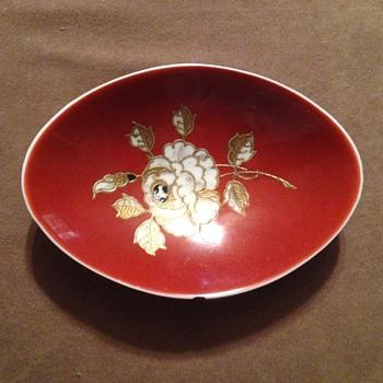 German porcelain bowl - China and Dinnerware
