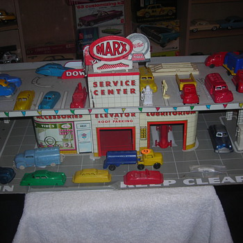 Marx detailing was amazing...  This one is from about 1953ish... - Model Cars