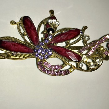 What do you call this hair clip? - Costume Jewelry