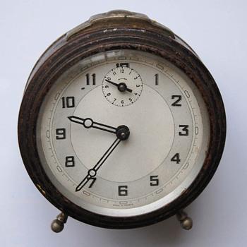Antique Art Deco 20's-40's French alarm clock. - Clocks
