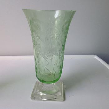 A pretty vase - Glassware
