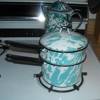 Graniteware/Enamelware Swirl Pattern Double Boiler