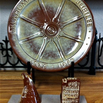 OKLAHOMA GOLDEN JUBILEE COMMEMORATIVES - Pottery
