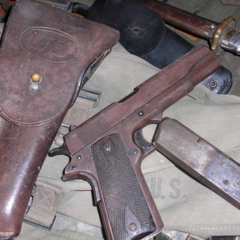 WW1 military 1911 colt - Military and Wartime