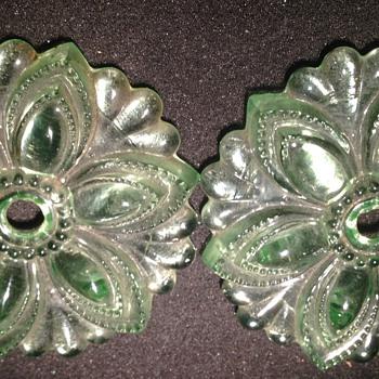 Pair of Depression glass tiebacks - Glassware