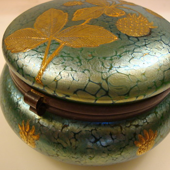 Loetz lidded box commissioned by A. Rupp - Art Glass