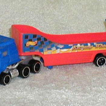 1999 - Hot Wheels Semi Truck Car Hauler - Toys