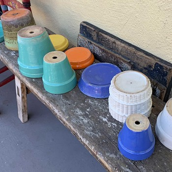 Found a small horde of 1930s/40s California Pottery Flowerpots yesterday. - Pottery