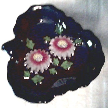 Leaf Shaped Dish with  Hand Painted Mums / Marked Made in Occupied Japan / Circa 1945-1952 - Pottery