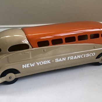 1940's Steelcraft  Bus designed by the famous industrial designer Viktor Schreckengost  - Model Cars
