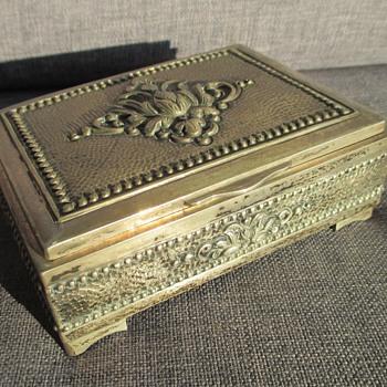 Djokja silver box - Fine Jewelry