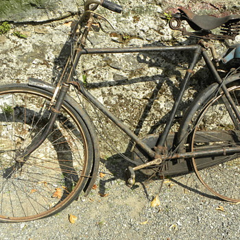 A JAMES motorized bicycle (Barnfind) - Motorcycles