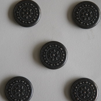 Identify Buttons possibly Civil War  - Sewing