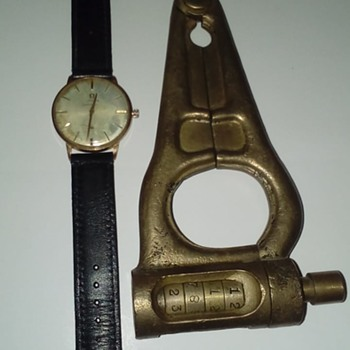 Very Strange Old Padlock - Tools and Hardware