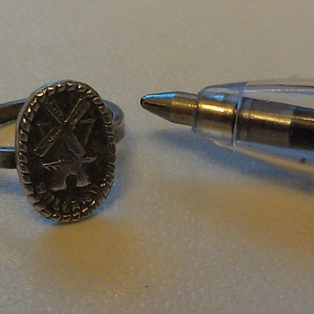Vintage/Antique Infant's Silver Ring, Flea Market Find - Fine Jewelry