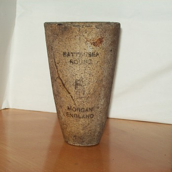 old pottery cup morgan england - Bottles