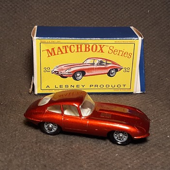 Marvelous Meticulous Melodious  Matchbox Monday MB 32  E Type Jaguar In D Style Box 1962-1967 - Model Cars