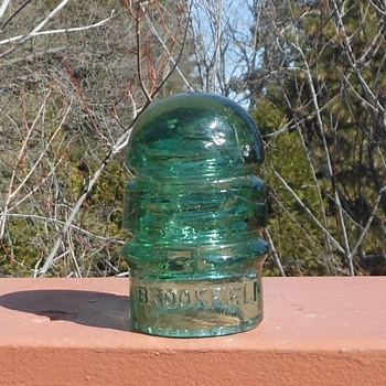Brookfield CD 112 Glass Insulator Green with a Bit of Blue as Usual - Tools and Hardware