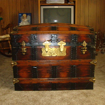 Travel Chest Mystery!! - Furniture