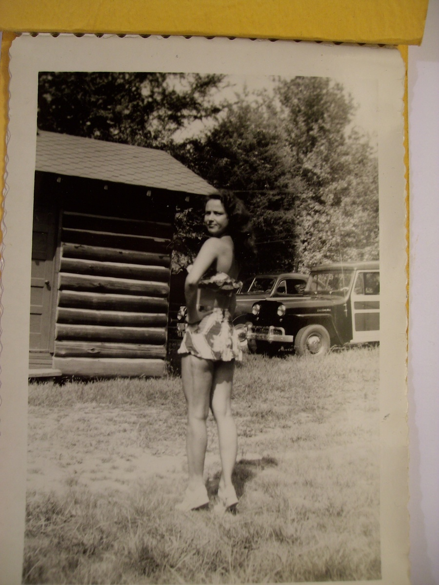 "Another Pic of ""Mom"" from the Risque Roll taken in 1939?"