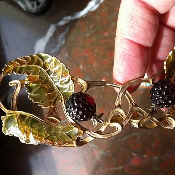 Janvier Quercia! More art nouveau plique a jour  - Fine Jewelry