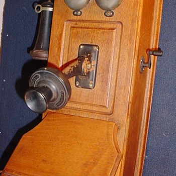 A Holtzer-Cabot Cathedral Top Wall Phone? Year???