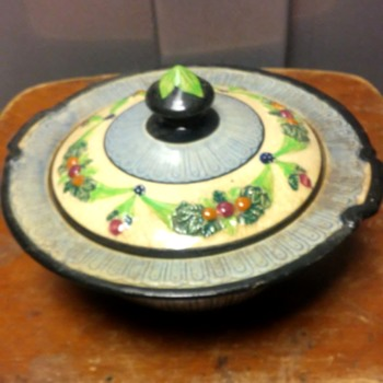 pretty little covered dish - Pottery