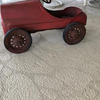 Pedal car ? Maker - Toys