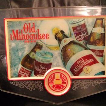 VINTAGE OLD MILWAUKEE BEER LIGHT & MIRROR