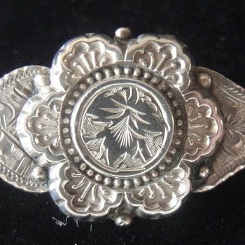 Little Victorian Silver (Sweetheart?) brooch - Victorian Era