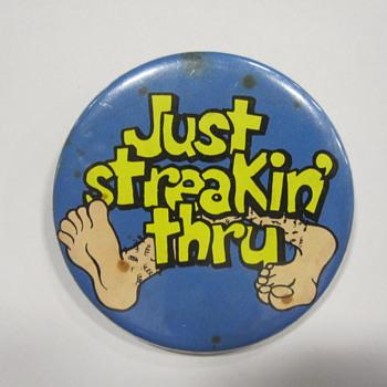 Streaking Button Pin