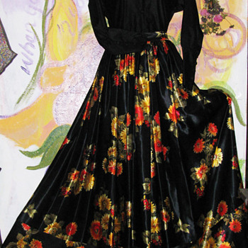 Gorgeous Full Victor Costa Skirt A Personal Fave! - Womens Clothing