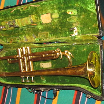 Antique Trumpet Stinky Case  - Musical Instruments
