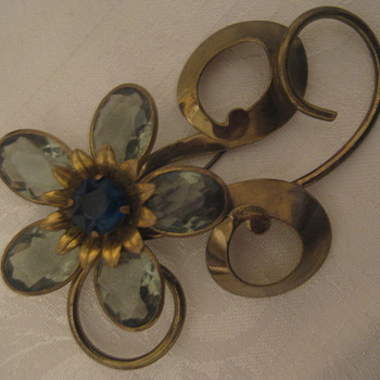 Vintage/Antique Brooches 1940s or 1950s - Costume Jewelry