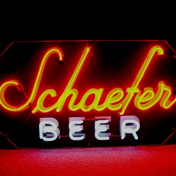 Schaefer Beer backbar neon - Signs