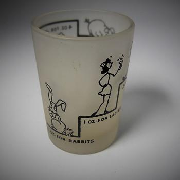 """Rare """"Hazel Atlas"""" measuring cup, Early 40s - Glassware"""