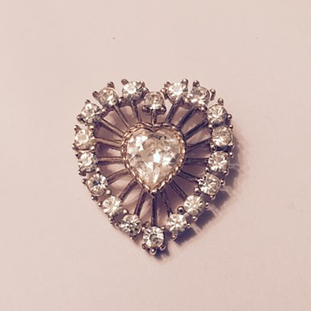 Crown Trifari Rhinestone Heart Brooch - Need help dating - Costume Jewelry