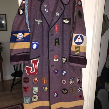 1966 West Point Bathrobe with WWII original patches added - Military and Wartime