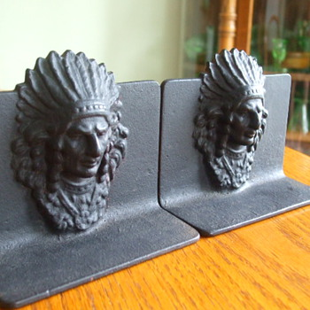 Looking for Info. on Native American themed BOOKENDS   - Books