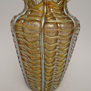 Loetz Candia Martelé Ausführung 36 - Art Glass