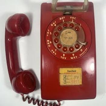 ITT 554 Telephone - Telephones