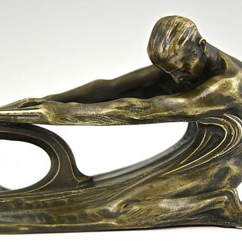 Remarkably Rare c.1900 Art Nouveau Bronze Lamp
