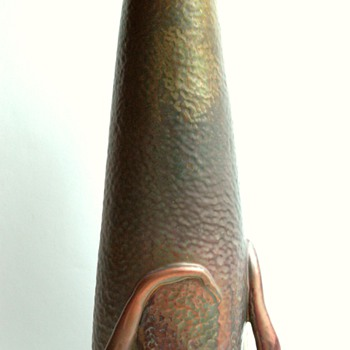 large DELPHIN MASSIER  art nouveau vase  with metallic glaze. - Art Nouveau